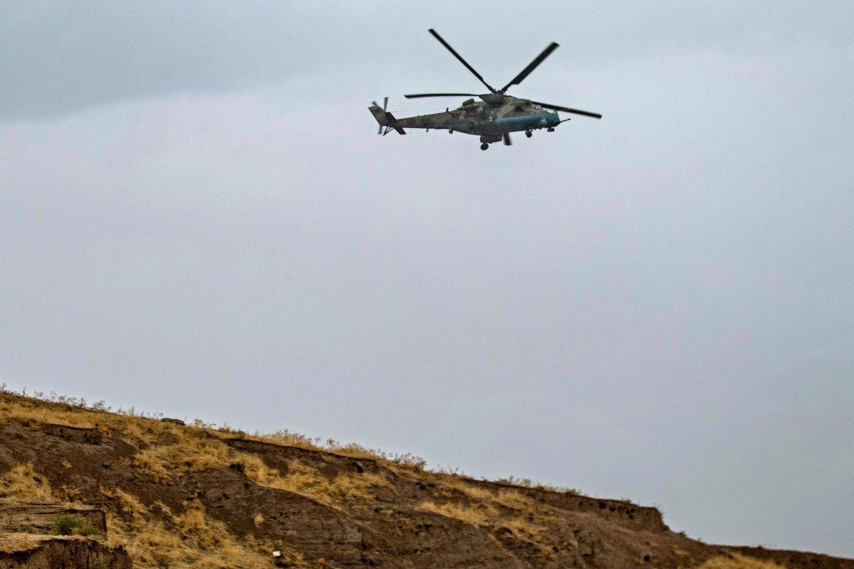 Sraigtasparnis nukrito netoli Tatvano miesto Bitliso provincijoje.<br>AFP/Scanpix asociatyvi nuotr.