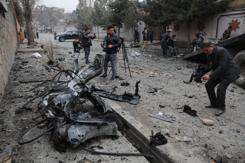 Sprogdinimai Džalalabado mieste.<br>AP/Scanpix nuotr.