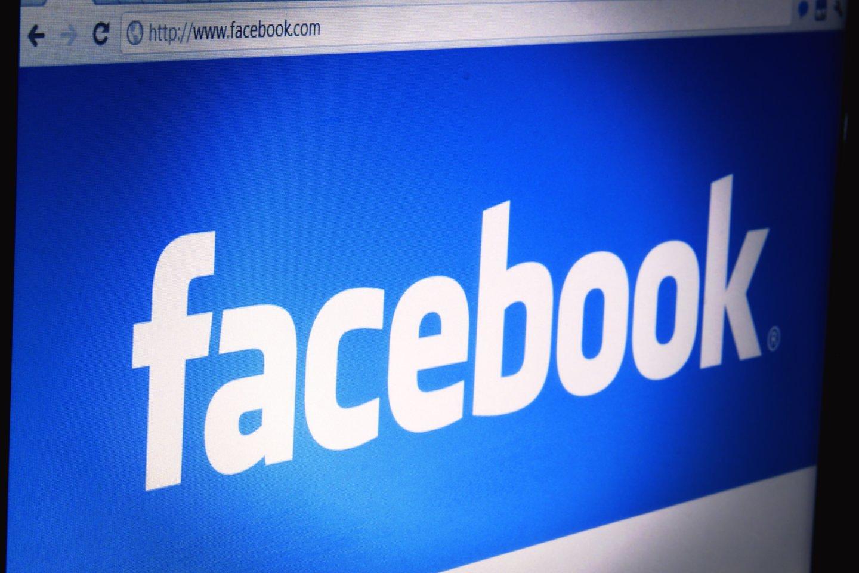 """Rusijos ryšių priežiūros tarnyba """"Roskomnadzor"""" išsiuntė """"Facebook"""" vadovybei laišką su prašymu pateikti paskyrų, prie kurių prieiga buvo apribota, sąrašą, taip pat paaiškinti jų blokavimo priežastis.<br>123rf nuotr."""