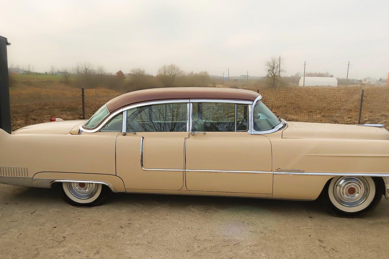 """Dainininkas neseniai įsigijo 1955-ųjų """"Cadillac Fleetwood 60 Special"""".<br>Asmeninio archyvo nuotr."""