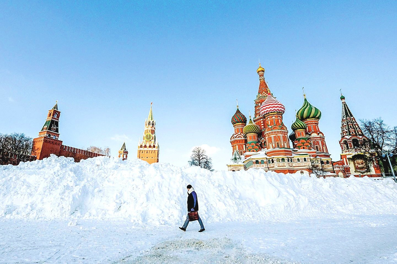 """Maskvoje per dvi dienas buvo iškritę trys ketvirtadaliai mėnesio normos sniego – pusnys išaugo iki 55–70 cm.<br>TASS/""""Scanpix"""" nuotr."""