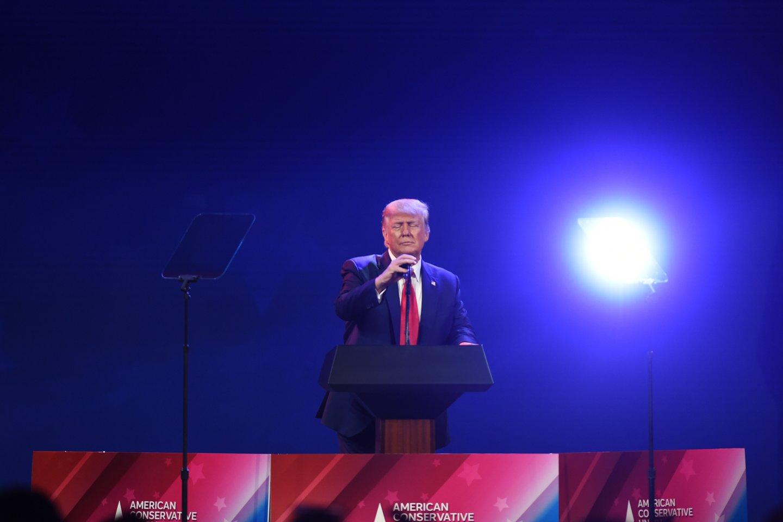 Nuo pat konferencijos darbo pradžios ketvirtadienį D. Trumpas buvo jos dalyvių dėmesio centre<br>Zuma Press/Scanpix nuotr.