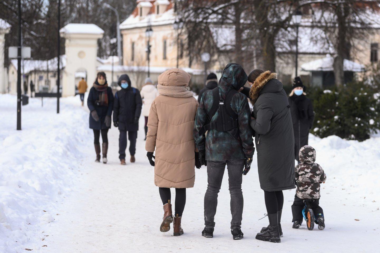 Verslas remia valdžios siekį leisti vaikus auginantiems tėvams kartu ir dirbti.<br>V.Skaraičio nuotr.