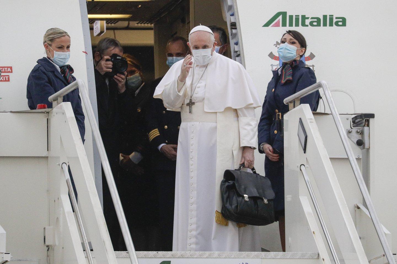 Trečią savo vizito Irake dieną popiežius Pranciškus planuoja apsilankyti šiaurinėje šalies dalyje.<br>AP/Scanpix nuotr.