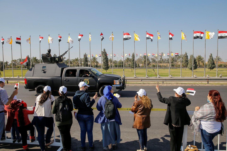 Trečią savo vizito Irake dieną popiežius Pranciškus planuoja apsilankyti šiaurinėje šalies dalyje.<br>Reuters/Scanpix nuotr.
