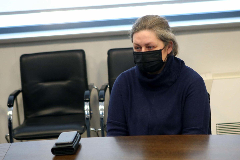 Po avarijos pareigūnai apkaltino ne įtakingo verslininko sūnų, o dukros netekusią alytiškę J.Jankauskienę (nuotr. teismo akimirka).<br>M.Patašiaus nuotr.