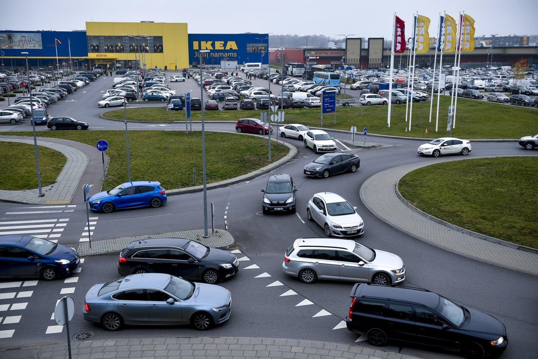 Nuo kovo 15 d. pradės veikti daugiau parduotuvių.<br>V.Ščiavinsko nuotr.