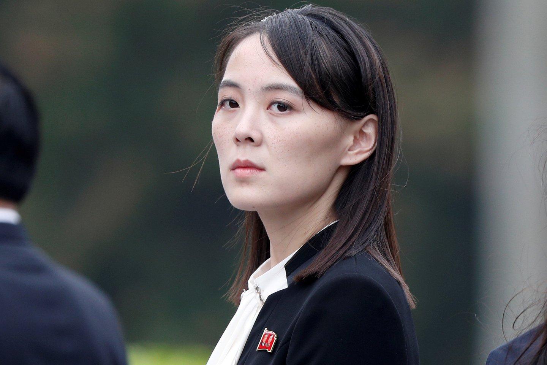Šį įspėjimą Kim Yo Jong išsakė JAV prezidento Joe Bideno administracijos aukščiausio rango pareigūnams atvykus vizito į svarbius Vašingtono sąjungininkus Tokiją ir Seulą.<br>Reuters/Scanpix nuotr.