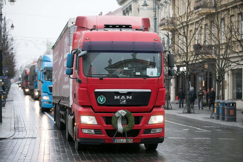 Vežėjų piketas dėl algų ir koeficientų – praeityje. Dabar įmonių rūpestis – kaip rasti vairuotojų.<br>T.Bauro nuotr.