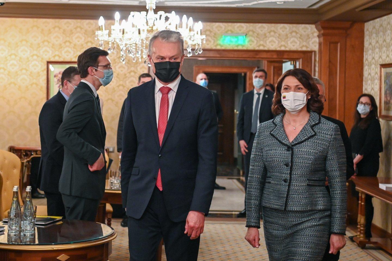Prezidento Gitano Nausėdos viešnagė Ukrainoje papiktino medicinos darbuotojų bendruomenę.<br>R. Dačkaus nuotr.