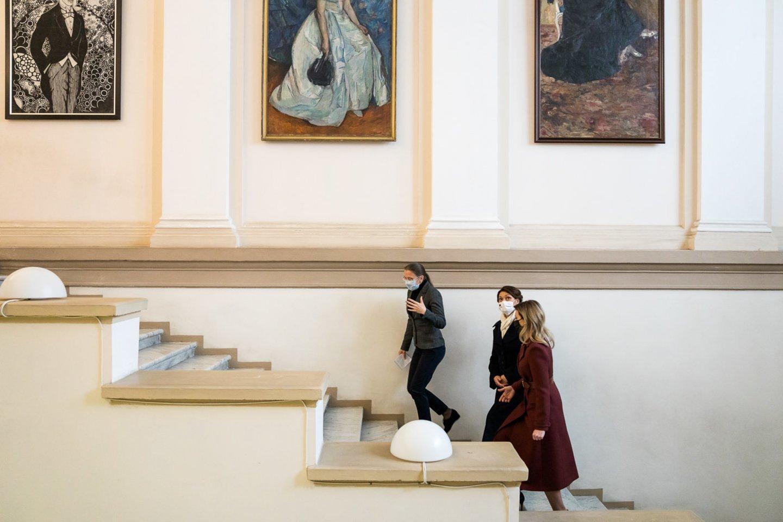 Diana Nausėdienė lankėsi Ukrainos nacionaliniame dailės muziejuje.<br>lrp.lt (A.Kulakovskyi) nuotr.