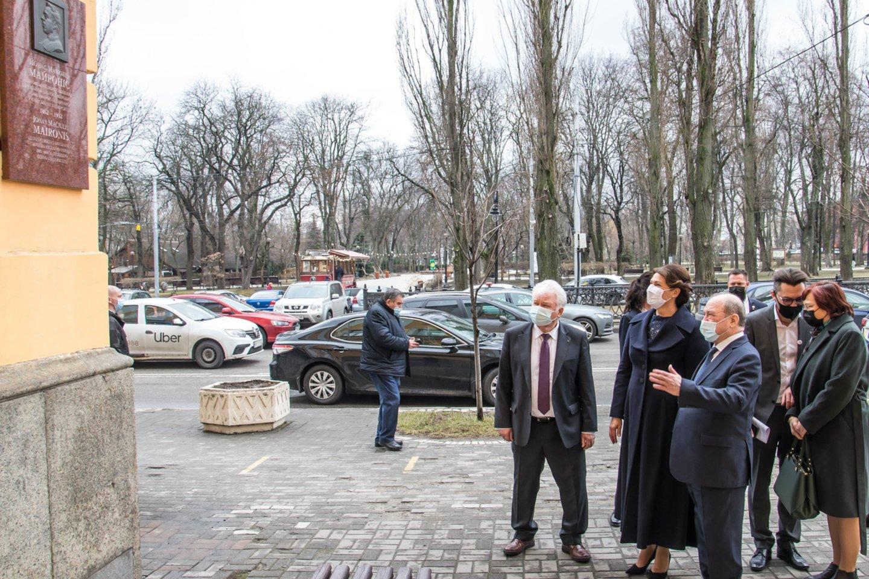 Diana Nausėdienė atidarė Baltistikos centrą Ukrainos Taraso Ševčenkos universitete.<br>lrp.lt (A.Prisikaylo) nuotr.