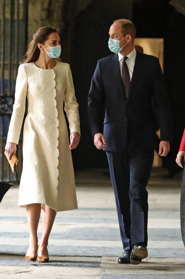 Catherine Middleton dėmesį patraukė išskirtine elegancija.<br>Scanpix nuotr.