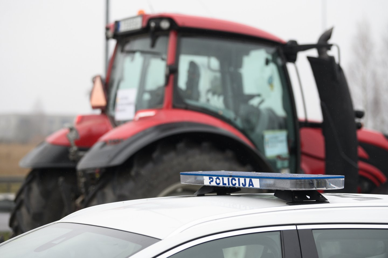 Panevėžio apskrities policija skatina aktyvesnį tarpusavio bendradarbiavimą su ūkininkais ir inicijuoja nuotolinius pasitarimus.<br>V.Skaraičio asociatyvi nuotr.
