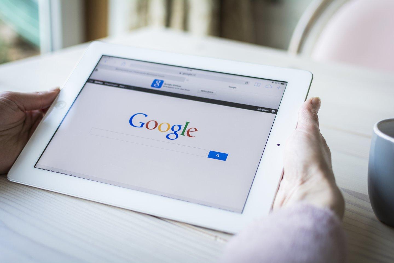 """""""Google"""" trečiadienį paskelbė pasirašiusi susitarimus su daugeliu Italijos žiniasklaidos leidėjų dėl atlygio už naujienų turinį.<br>123rf nuotr."""