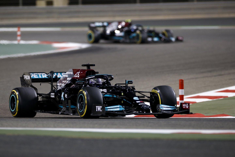 Pirmąją vietą Bahreine iškovojo L.Hamiltonas.<br>Reuters/Scanpix.com nuotr.
