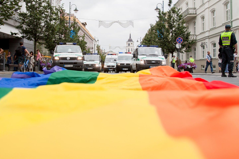 gėjų, gėjai, homoseksuolai, eitynės, paradas, baltic pride, balticpride, policija<br>J.Stacevičiaus nuotr.
