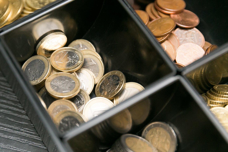 Europos Komisija (EK) siūlo suteikti Lietuvai papildomą 355 mln. eurų paskolą nuo koronaviruso nukentėjusiems darbuotojams apsaugoti.<br>T.Bauro nuotr.