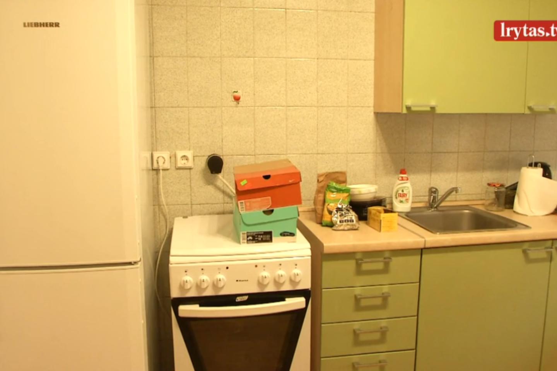 """Seimo viešbutyje yra 72 butai, juose šiuo metu gyvena 57 parlamentarų, neturintys būsto Vilniuje.<br>""""Lietuvos ryto"""" televizijos stop kadras"""
