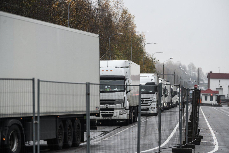 Pasienis, Valstybės siena, Baltarusija, Medininkai, Pasieniečiai, vilkikai, VSAT.<br>V.Skaraičio nuotr.
