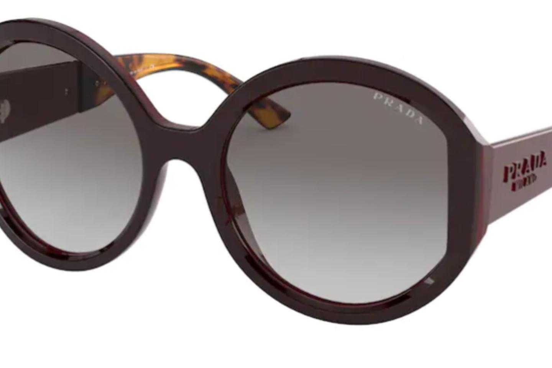 Labai ryškios vienos tendencijos saulės akinių fronte nematyti.
