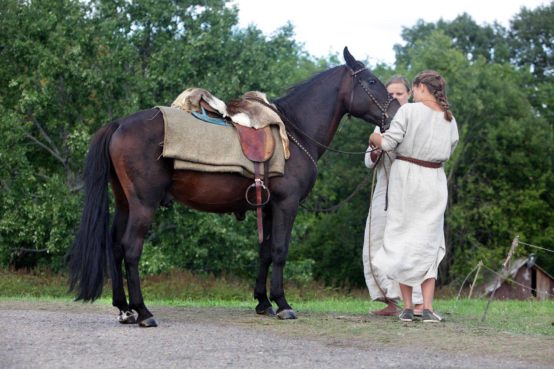 Prūsų, lietuvių ir latvių gentims nusakyti laiko bėgyje buvo naudojamas ne vienas pavadinimas. Šias tautas jungia bendra kalba, panaši pasaulėžiūra ir pasaulėvoka.<br>V. Balkūno nuotr.