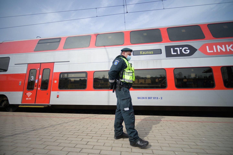 Policija savaitgalį tikrins ir keliaujančius traukiniais.<br>V.Skaraičio nuotr.