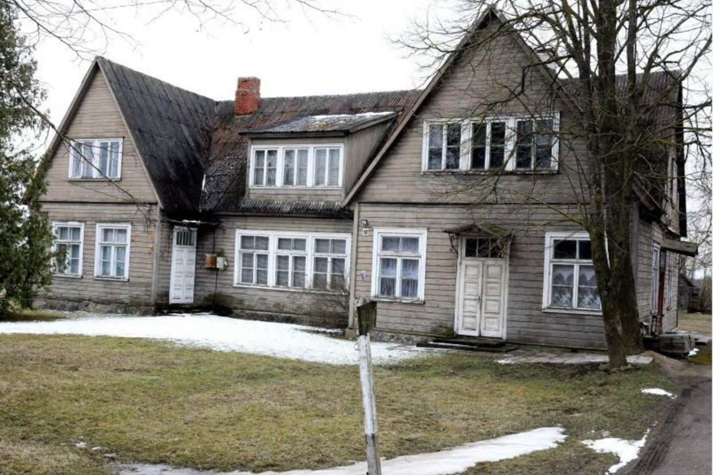 Šimoniuose stovinti mokykla pavadinta Medinių kaimo vardu.<br>A.Švelnos nuotr.