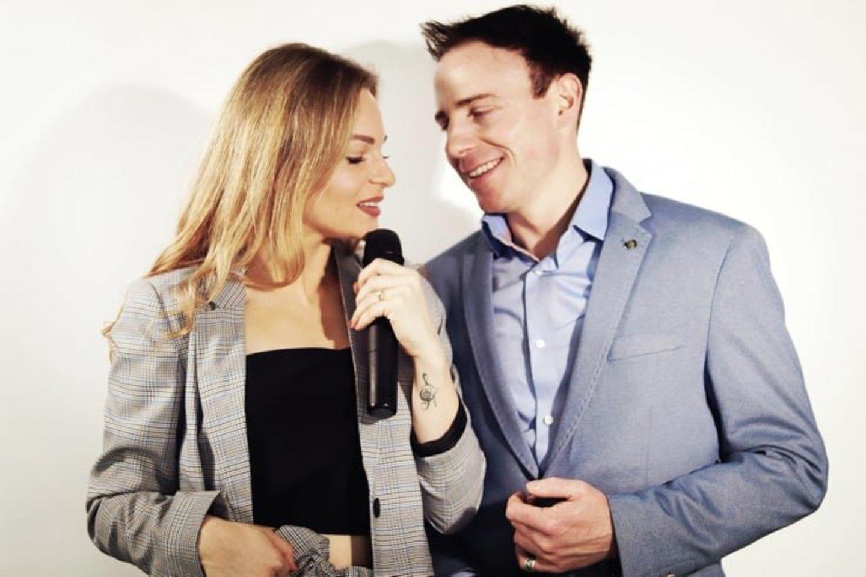 """Henrika su vyru įkūrė renginių vedėjų, organizatorių ir vedėjų grupę """"Osom"""".<br>Asmeninio albumo nuotr."""