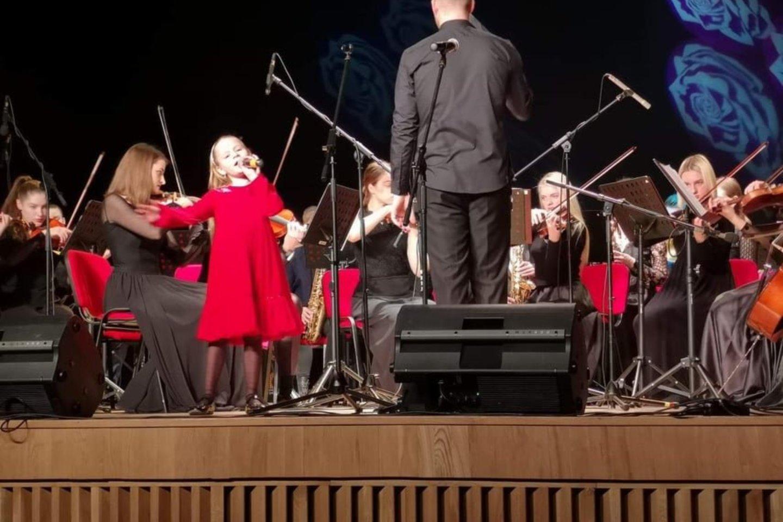 Didžiulis pasiekimas – koncertinis turas po tris Lietuvos miestu su Plungės simfoniniu orkestru.<br>Asmeninio albumo nuotr.