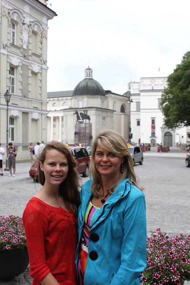 Erika su mama Nijole Rasmussen kiekvieną vasarą lankėsi Lietuvoje ir pajuto ypatingą ryšį su mamos tėvyne.<br>Nuotr. iš asmeninio albumo.