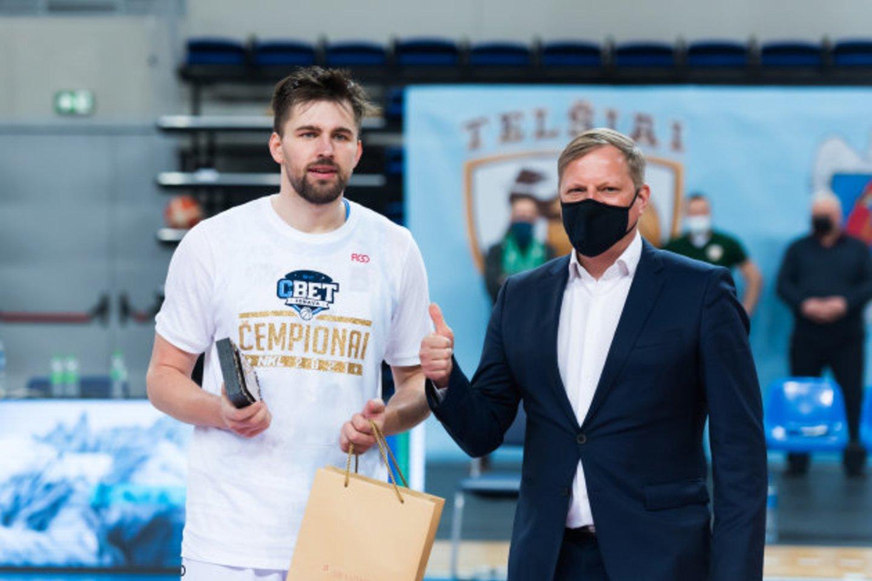 Virginijus Šeškus ir sūnus Edvinas NKL čempionais tapo antrą kartą.<br>D.Lukštos/NKL nuotr.