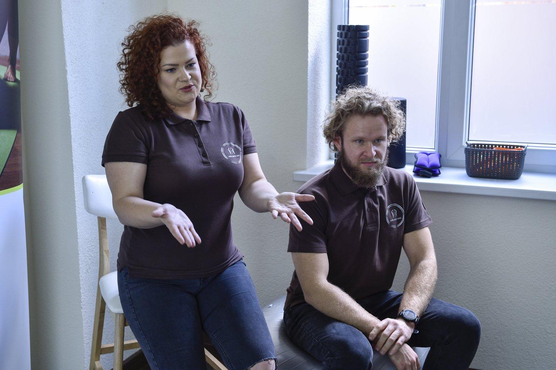 Kol kas Urtė ir Edgaras dirba dviese, tačiau planuose – pasikviesti dirbti daktarą traumatologą, vaikų kineziterapeutą.<br>V.Ščiavinsko nuotr.
