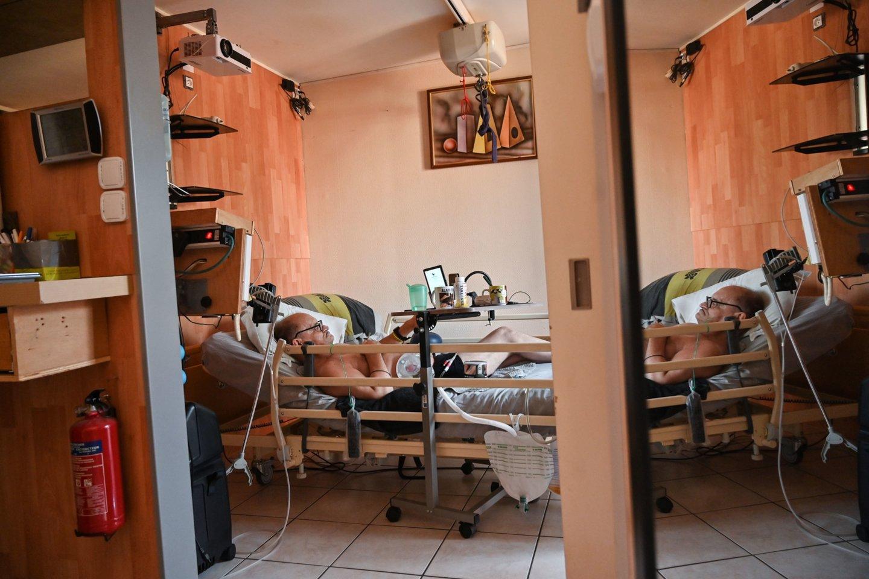 Prancūzijos parlamentas svarstys įstatymo projektą dėl eutanazijos įteisinimo. <br>AFP/Scanpix nuotr.