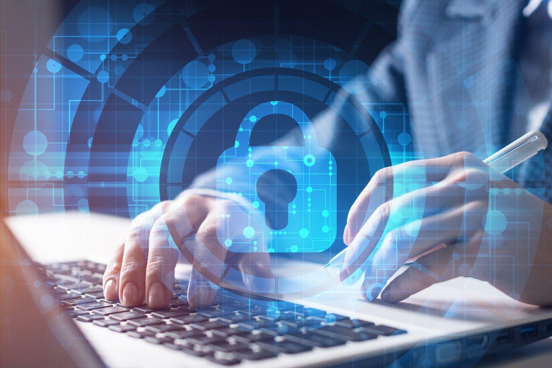 Trečiadienį Lietuvoje penktus metus iš eilės buvo pristatyta kibernetinio saugumo būklės ataskaita – ir šįkart tai buvo padaryta plačiau, nei vien iš Krašto apsaugos ministerijos perspektyvos.<br>123rf iliustr.