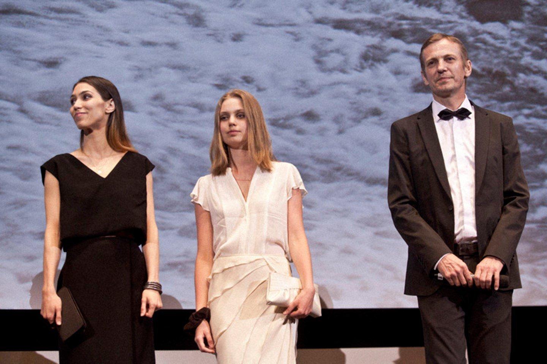 Šarūnas Bartas, Ina Marija (per vidurį) ir Lora Kmieliauskaitė.<br>LR archyvo nuotr.