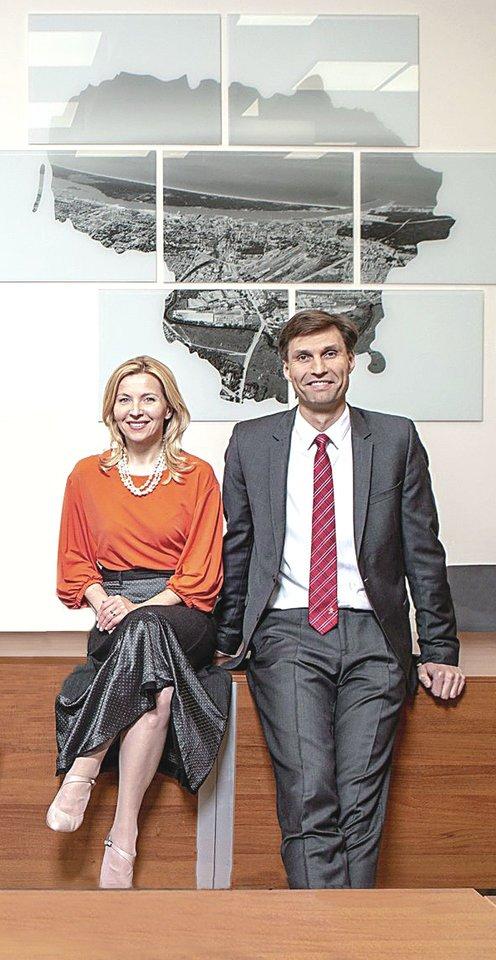 D.Kuliešius ir V.Šmaižytė užsisklendė – vengia kalbėti apie tai, ar jie po darbo dalijasi žiniomis iš Prezidentūros ir Užsienio reikalų ministerijos.
