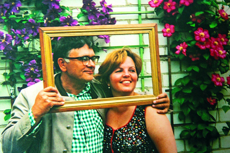 A.Baltakis savo žmoną Sigitą vadina visų galų ministre, kuriai dabar priklauso visos jų gyvenimo ministerijos.<br>Nuotr. iš asmeninio albumo