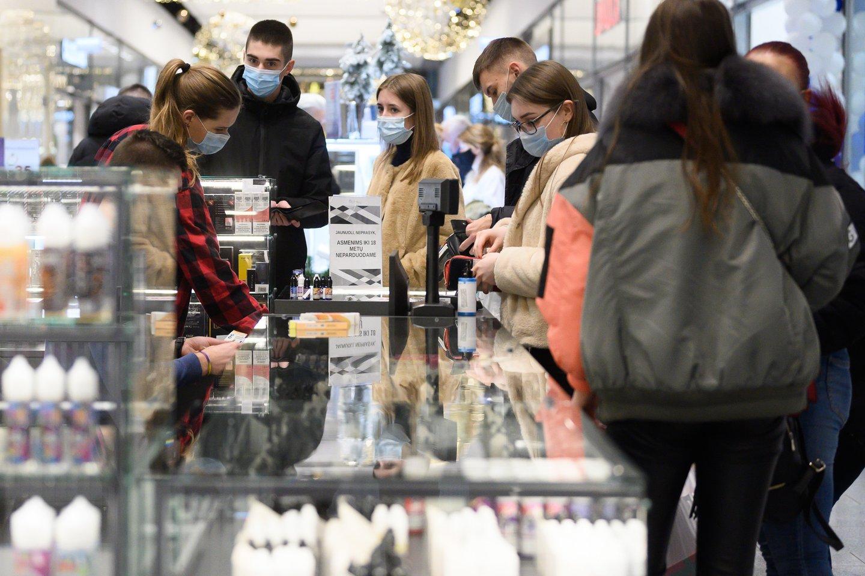 Vyriausybė trečiadienį nesvarstė visos prekybos atvėrimo dėl prastėjančios epidemiologinės situacijos.<br>V.Skaraičio nuotr.