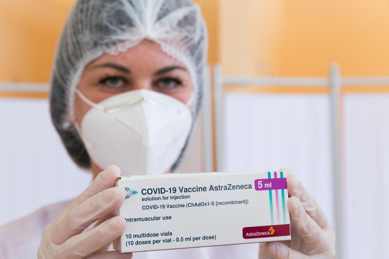 """Leidus vakcinos likučiais skiepyti įmones, prabilo merai: """"Norinčiųjų skiepytis turbūt turime daugiau nei vakcinos gausime"""".<br>T.Bauro nuotr."""