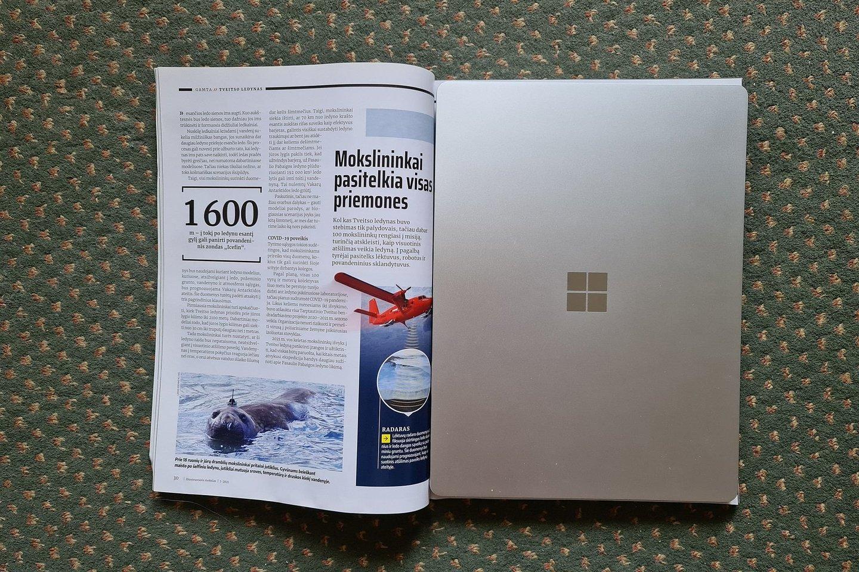 """Microsoft Surface Laptop Go"" žurnalo viduje.<br>A. Rutkausko nuotr."