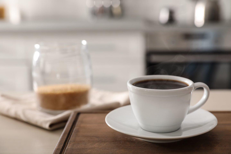 Dar vienas svarbus veiksnys, į kurį reikia atsižvelgti gaminant kavą namuose, yra vanduo – mat tik nuo jo priklauso, kiek kavos skonio ir aromato bus išgauta.<br>123rf nuotr.