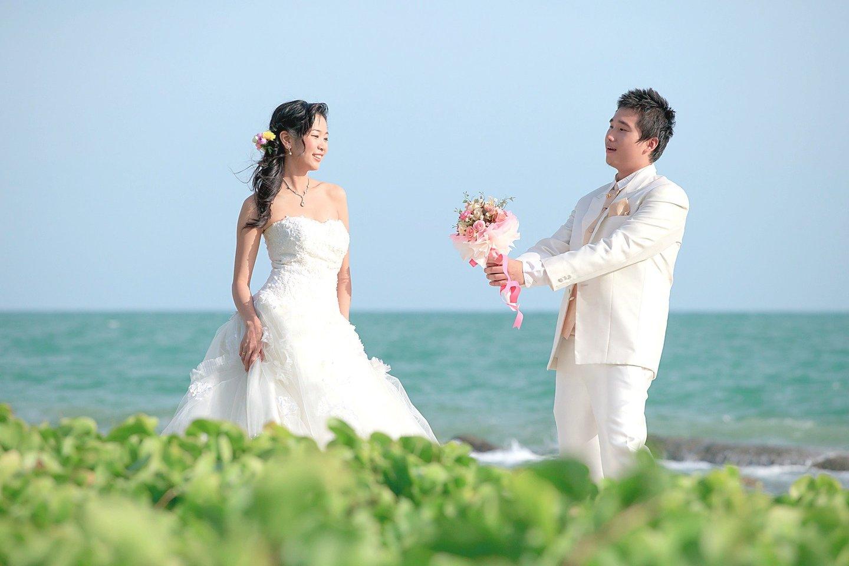 """Į kovą dėl galimybės po vestuvių išsaugoti savo pavardę įsitraukia ir vyrai.<br>""""123rf.com"""" nuotr."""