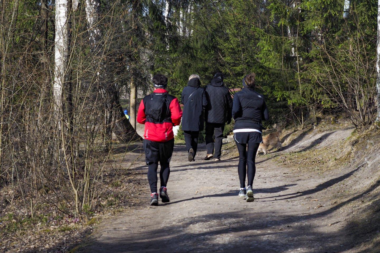 """""""Negana to, bus kertami miškai bei pušynai, žalieji sostinės plaučiai"""", – teigė Balsių bendruomenės ir trijų Ožkinių sodininkų bendrijų atstovai.<br>V.Ščiavinsko nuotr."""