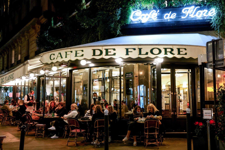 Prancūzijos laikraščiai šią savaitę rašo apie pogrindinius restoranus, siūlančius turtuoliams priešpandeminę valgymo patirtį. <br>AFP/Scanpix asociatyvi nuotr.