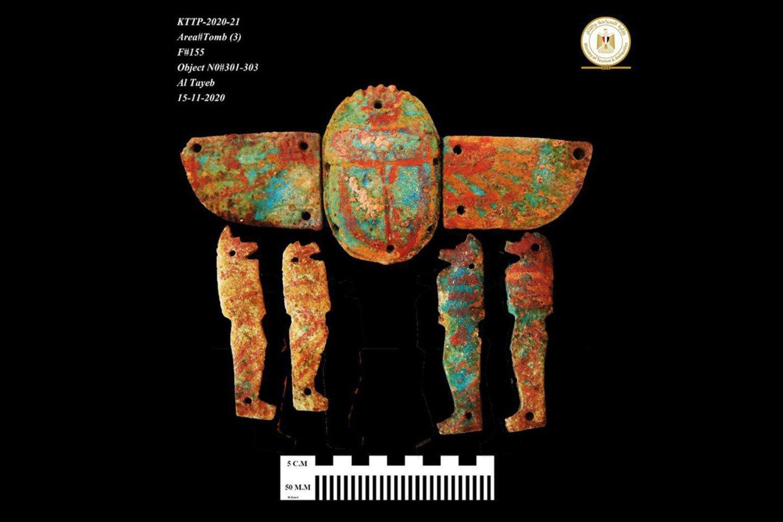 Dažytas regione aptiktas artefaktas.<br>Egipto Senienų ministerijos nuotr.