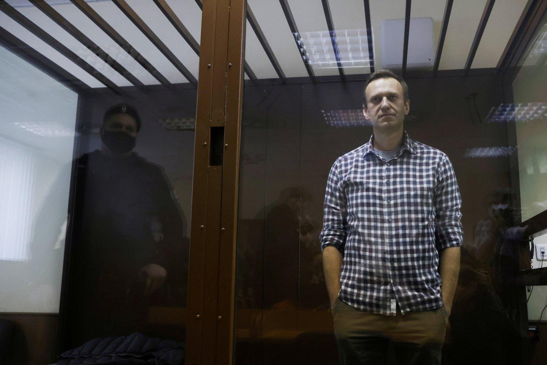 Rusijos kalėjimų pareigūnai grasina maitinti A. Navalną per prievartą. <br>AFP/Scanpix nuotr.