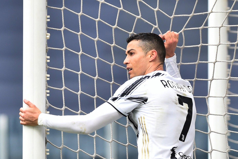 Po pergalės C.Ronaldo pasižymėjo rūbinėje pasižymėjo agresyviu elgesiu.<br>Reuters/Scanpix nuotr.
