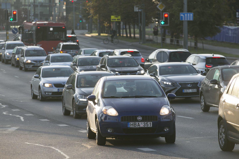 Seimas pritarė Saugaus eismo automobilių keliais įstatymo ir Administracinių nusižengimų kodekso pataisoms.<br>T.Bauro nuotr.