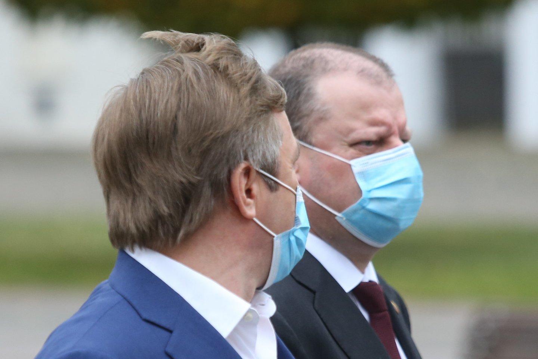 Kyla vis daugiau spėlionių, kad S.Skvernelis ir R.Karbauskis pasuks skirtingais keliais.<br>R.Danisevičiaus nuotr.